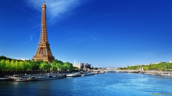 Vé máy bay đi Pháp