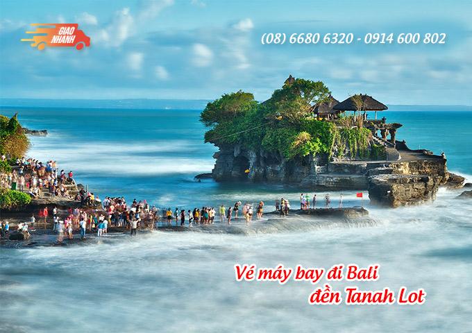 Vé máy bay đi Indonesia khám phá đền Tanah Lot, đảo Bali