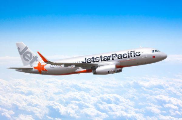 Nên đi máy bay của Jetstar hay Vietjet
