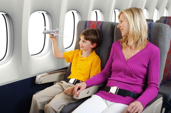 Giá vé trẻ em đi máy bay Jetstar