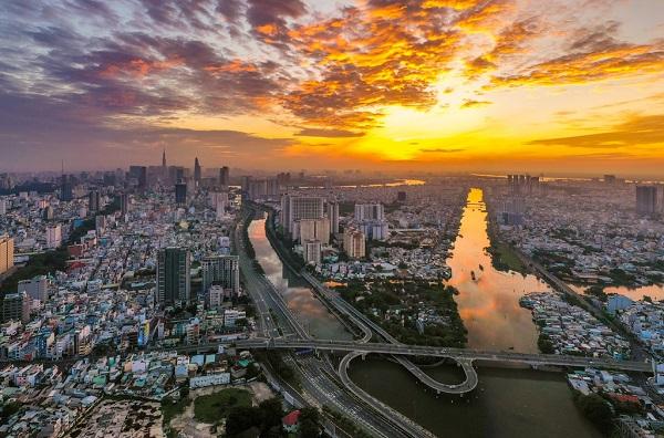 Vé máy bay đi Sài Gòn khuyến mãi sẽ giúp bạn tiết kiệm rất nhiều chi phí